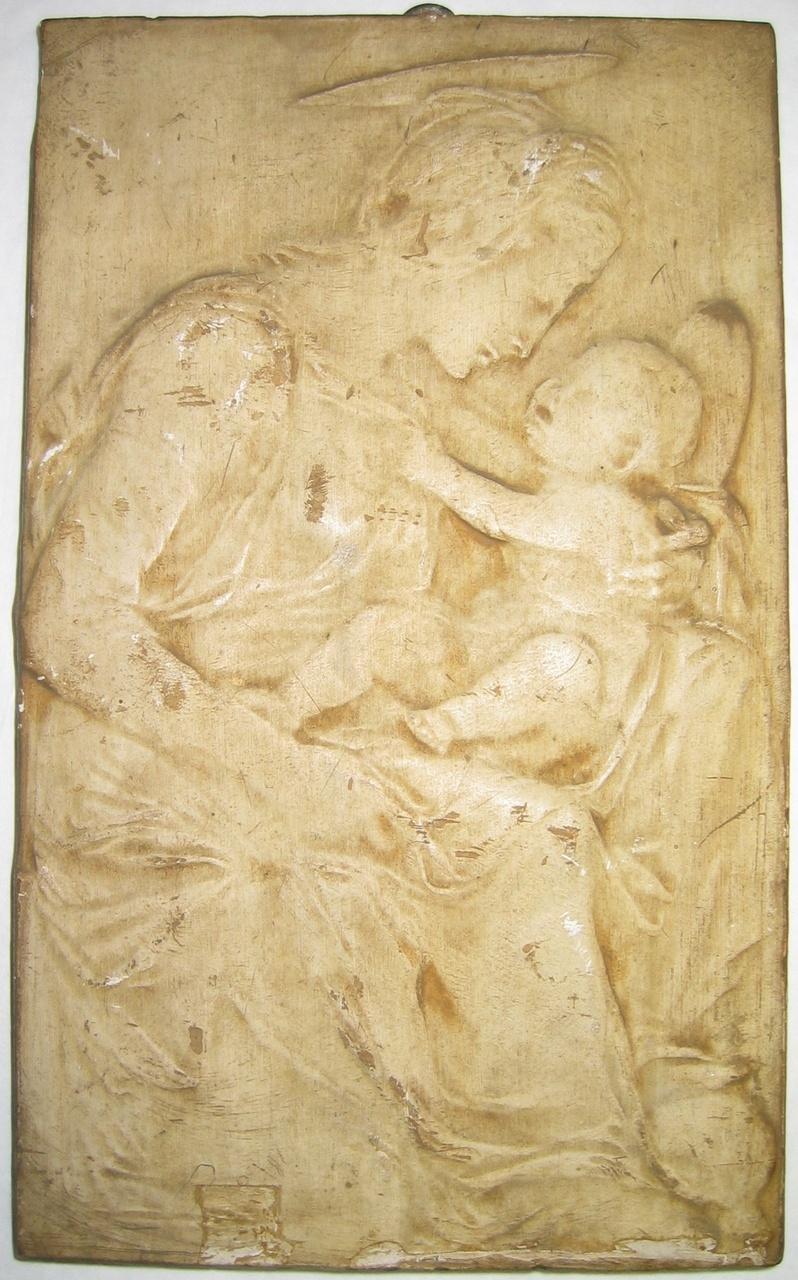 Reliëf van Madonna met kind