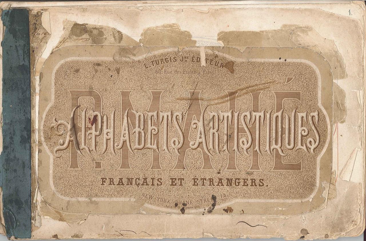 Boekje met voorbeeld-alfabets  'Alphabets Artistiques' français et etrangers