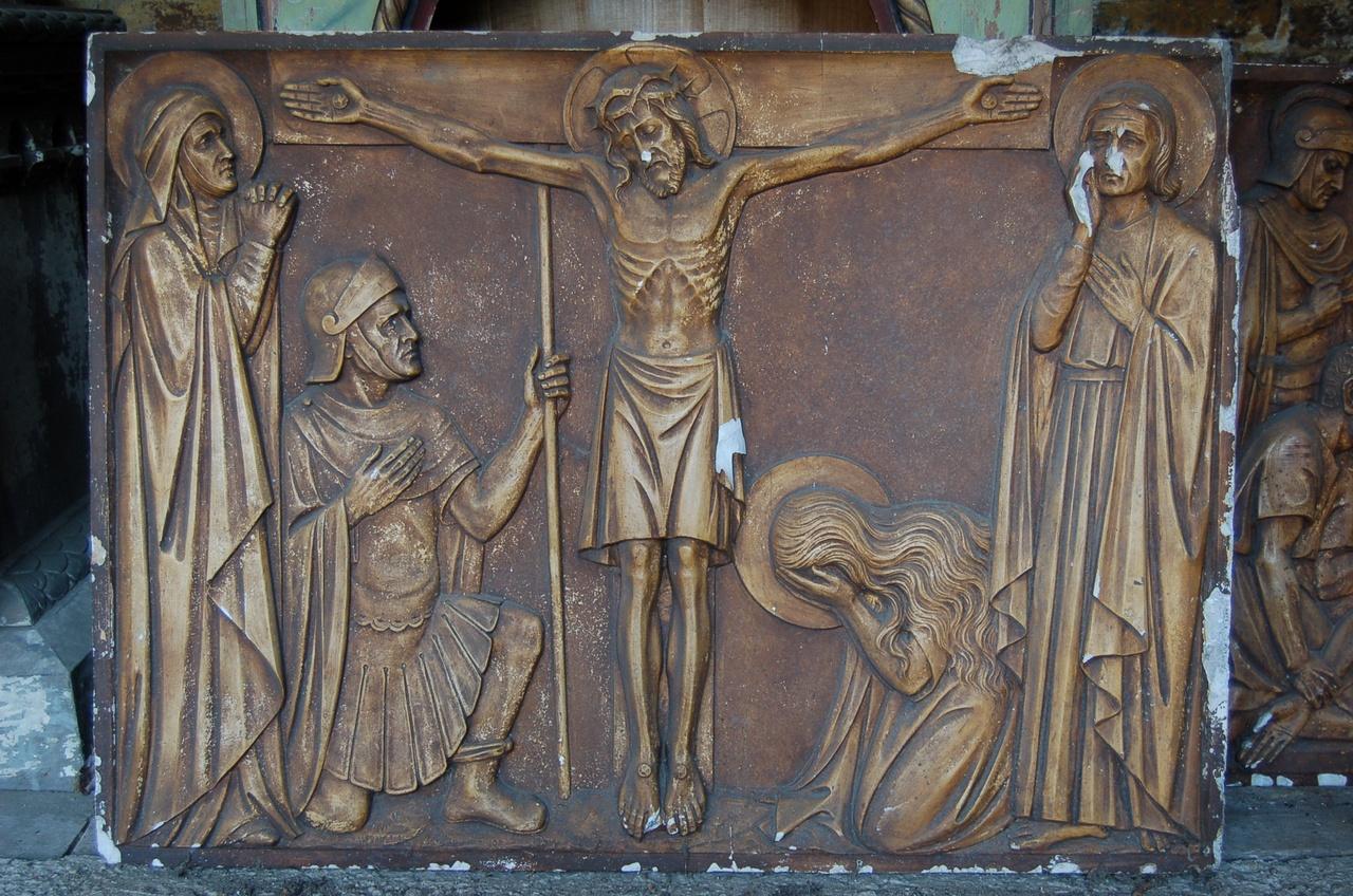 Kruiswegstatie: Jezus sterft aan het kruis