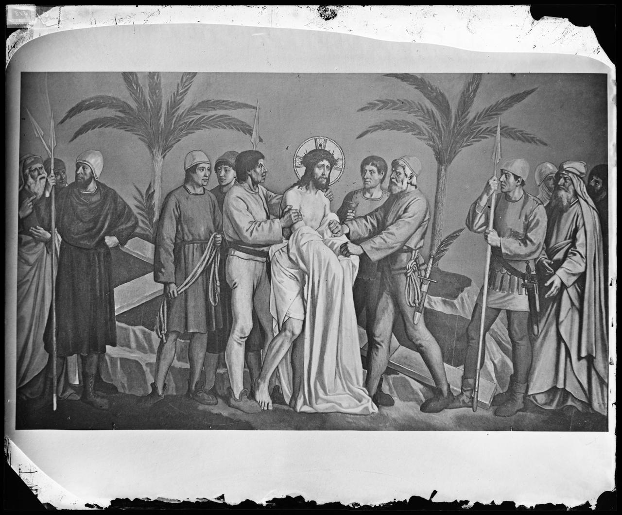 Glasnegatief van een foto van een geschilderde kruiswegstatie
