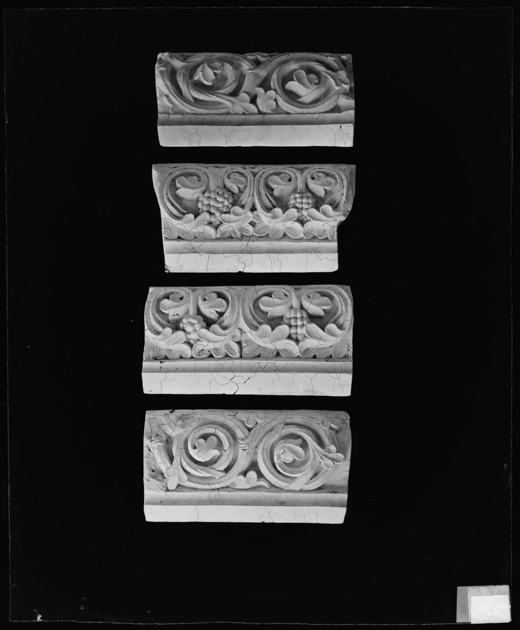 Foto van glasnegatief van een object uit de Cuypers' Kunstwerkplaatsen
