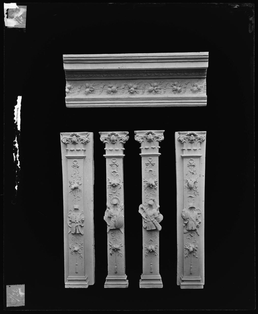 Foto van glasnegatief van object uit de Cuypers' Kunstwerkplaatsen