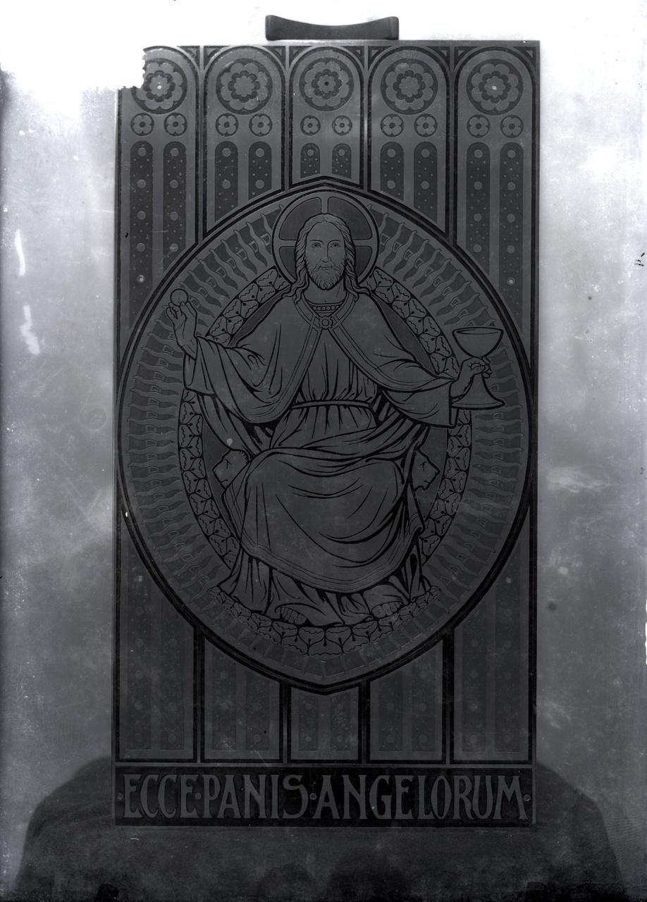 Glasnegatief van een foto van een paneel met een Heilig Hartfiguur