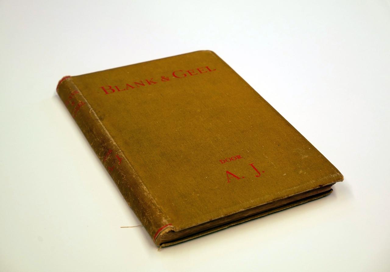 Boek 'Blank en Geel' over de liefdesgeschiedenis van Mia Cuypers en Frederic George Taen Err Toung